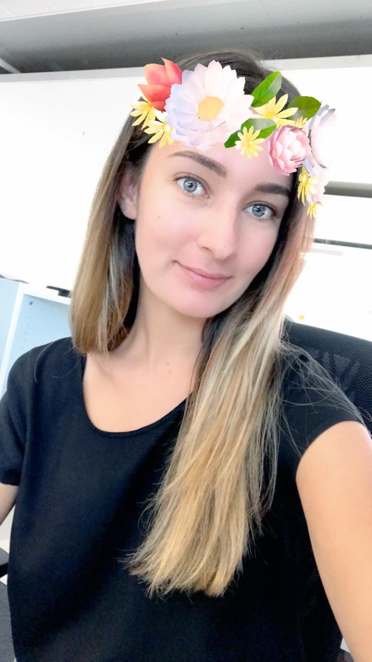 Sara Thenen Pink Redaktorin